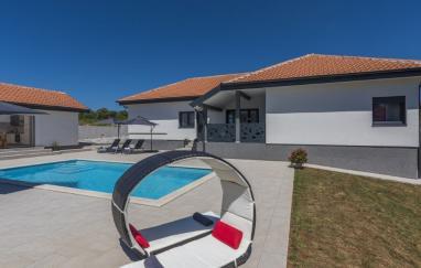 Villa Tria