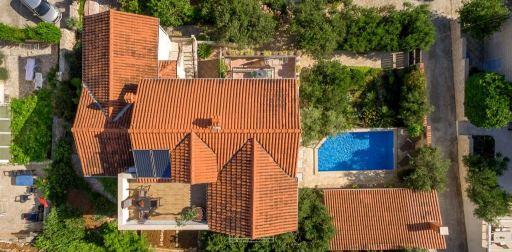 Villa Lukrecia