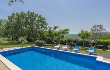 Villa Alvona